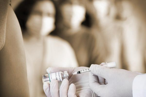 Meu Empregado Faltou para Tomar a Vacina de COVID. Preciso Abonar Este Dia?